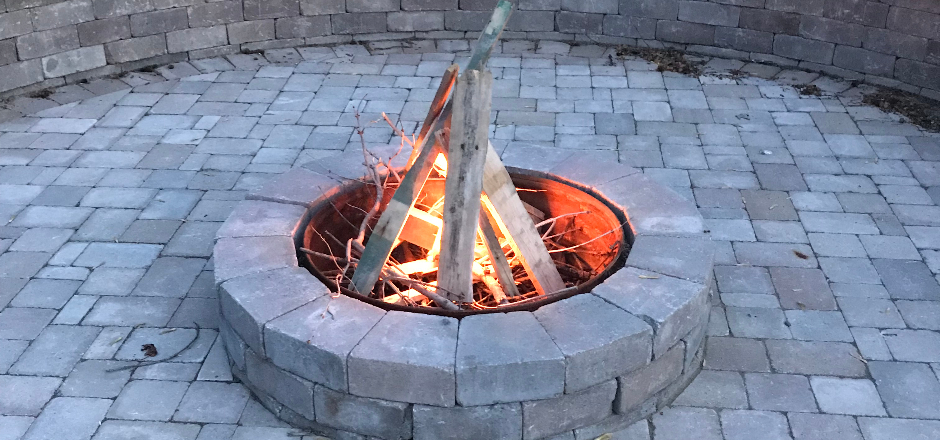 Hardscape Contractor that Designs Fire Pits North of Detroit